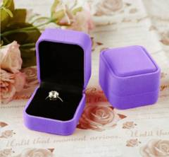 高級 新品 ★送料無料★ 婚約指輪 クラシック プレゼント用ケース ベルベット