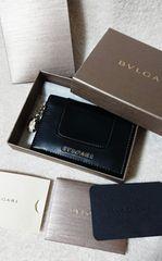 正規店購入BVLGARIクレジットカードホルダー。カーフレザー。使いやすいblack。