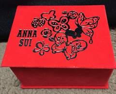ANNA SUI★赤ジュエリーBOX