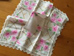 ピンキー&ダイアンレース薔薇柄ハンカチ
