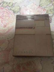 ルナソル ペタルピュアアイズ EX01