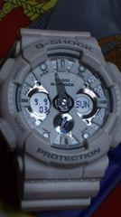 カシオGショック白GA-120Aビックケースホワイトカラー超ワイドフェイス腕時計稼動