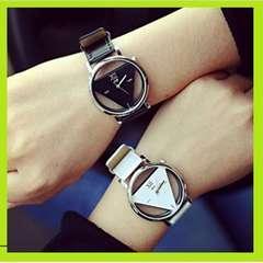 ★2本セット★ ペア腕時計 トライアングル ホワイトブラック