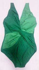 Vネック&フロントツイスト絞りグラデーショングリーン肩紐背中開きワンピース水着〓緑