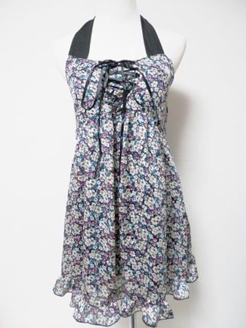 フラワー小花柄黒リボンフリルホルターミニワンピAuntieRosa < ブランドの