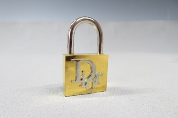 Christian Dior クリスチャンディオール ロゴ  パドロック