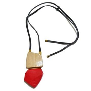 新品マルニ 木製 ネックレス 赤×ベージュ MARNI