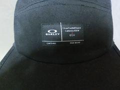 オークリー【Latch 5 Panel Hat】5パネルデザインCAP黒