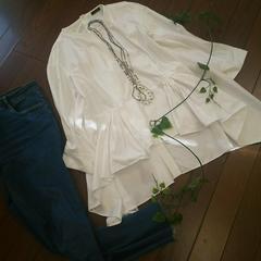 〇アバハウスD'agilita〇後ろボタンのシャツプルオーバー*・゜