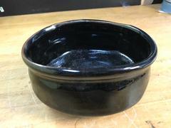 迫力満点の黒茶碗。未使用。たぶん万古。在銘。