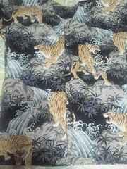 ☆処分品=黒×虎柄=ダボシャツL9分丈袖