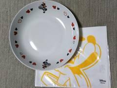 ★セブンイレブンオリジナル ミッキーマウスパスタ皿★evianオリジナル プルートランチマット★