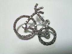 (22)新品ラインストーンキラキラ自転車ブローチバッチシルバー