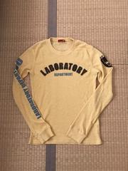 291295 LABO ワッペン付き ロゴプリント 長袖Tシャツ 黄