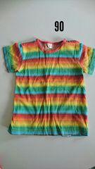 レインボー柄の半袖Tシャツ