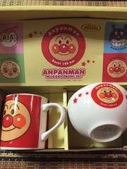 新品 アンパンマンマグカップ&茶碗セット アンパンマン