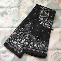 ホワイト×ブラックペイズリー柄スカーフ