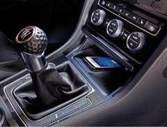 ★未使用品★ VW ゴルフ7 golf�Z 専用スマホワイヤレス充電器