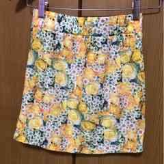 新品!花柄タイトスカート
