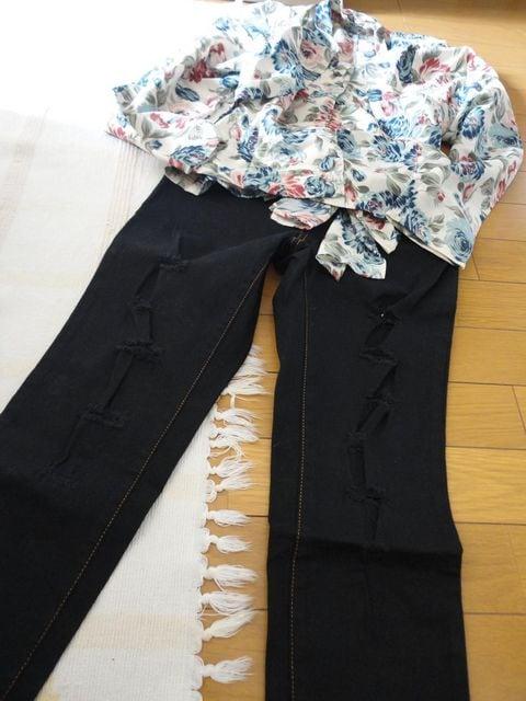 ダメージ7分丈パンツ 【未使用】【ニッセン品】  < 女性ファッションの