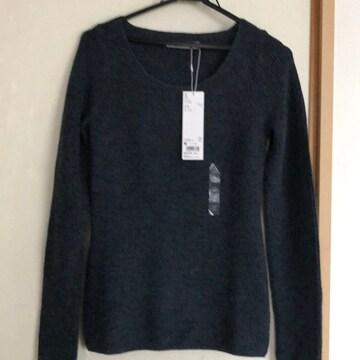 今季、新品未使用タグ付き、UNIQLOのニット。セーター。