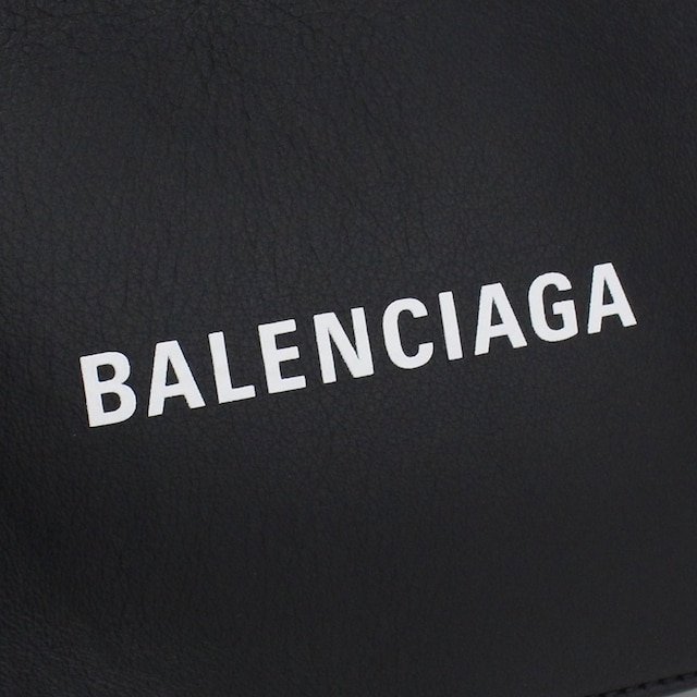 バレンシアガ ショルダーバッグ 552372 DLQ4N 1000 ブラック < ブランドの