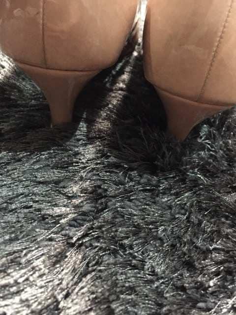 マルイの楽チンパンプス23,5新品同様 < 女性ファッションの