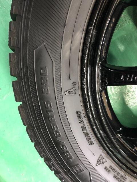 0101262)国産グッドイヤ-スタッドレスタイヤブラックAW4本セット185/65R15送料無料 < 自動車/バイク