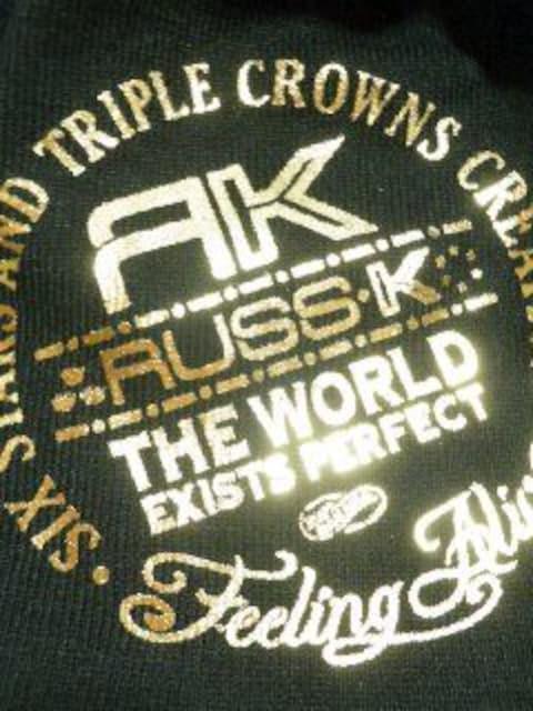 ▼Russ.k/ラスケー▼*NEWS*ロゴ箔プリ ニット帽ブラックxゴールド < ブランドの