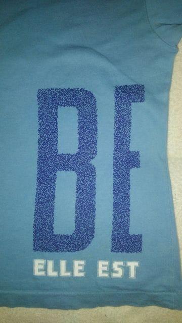 BeBe Tシャツ110男女兼用美品 綿100% とても着やすいです < ブランドの
