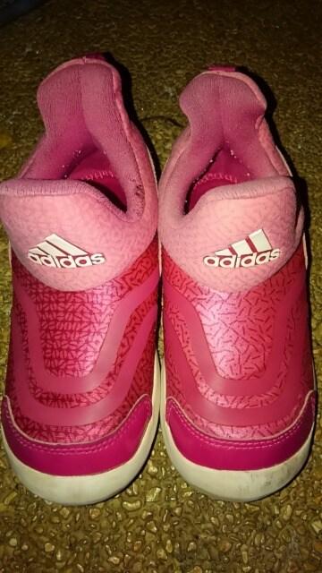 adidas キッズ スリッポン 18cm ピンク  < ブランドの