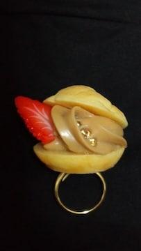 キューポットQ-potイチゴ付シュークリーム指輪リング★フリー